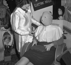 Electric face mask: wikimedia